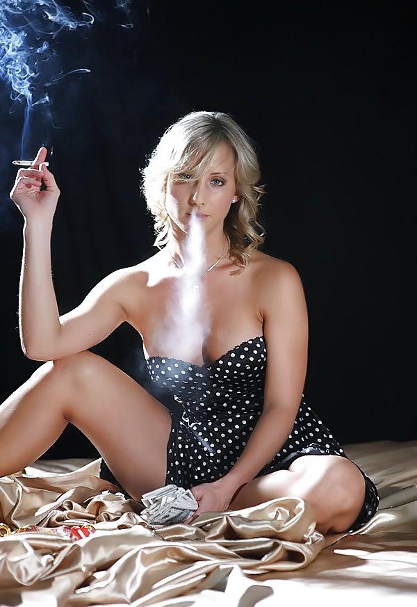 Mujeres Sexy Fumando
