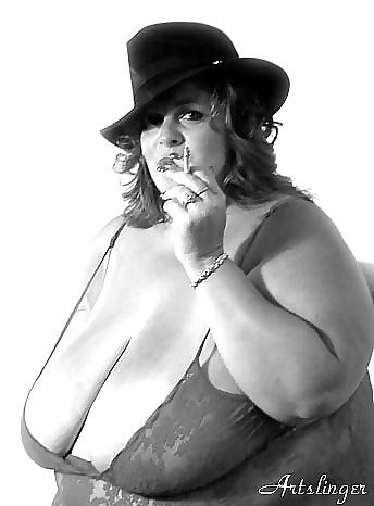 Fotos de mujeres sexy fumando 1