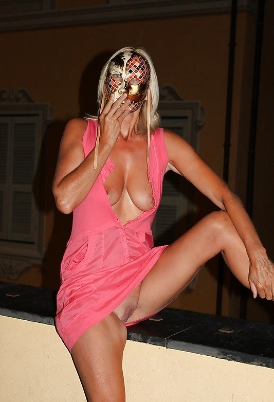 Quieres ver fotos de maduras desnudas y calientes ?