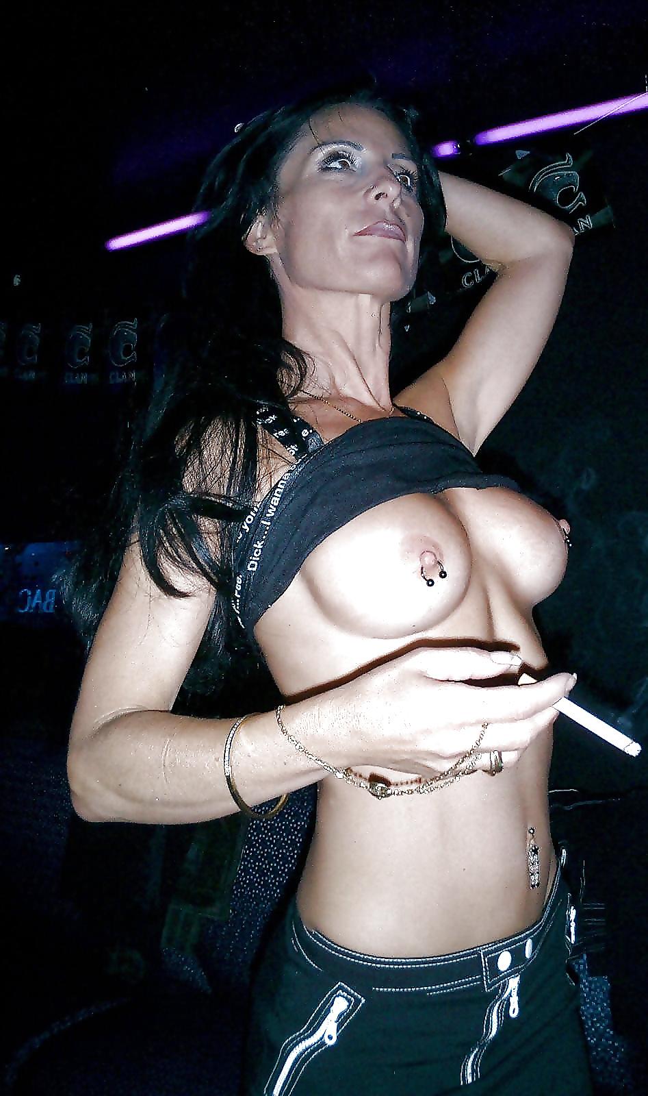 Fotos de mujeres sexy fumando 6