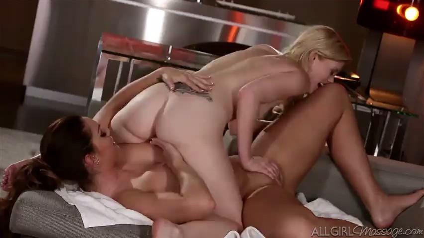 Dos lesbianas hacen un 69 muy hot