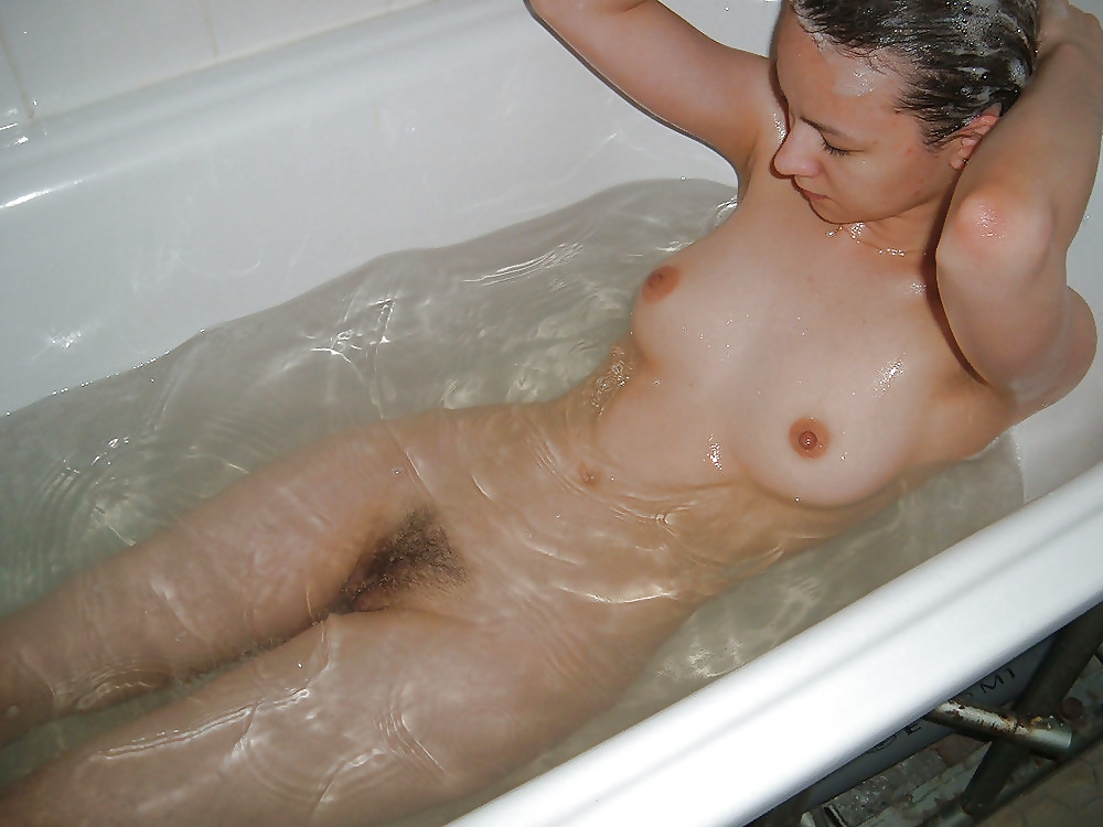 chicas desnudas en la bañera