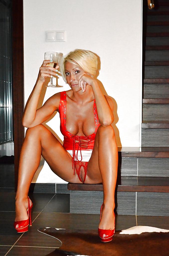 3 16 - Fotos de Mujeres desnudas con tacones rojos