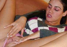 7 228x160 - Chica Sexy morena y tetona