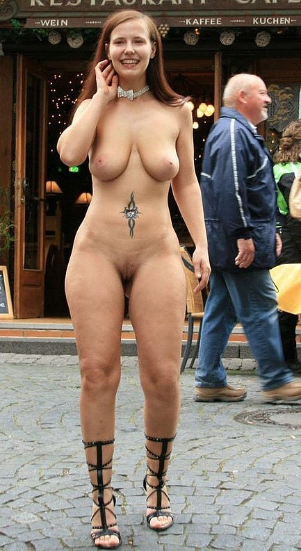 Fotos Desnudas en Publico - Flashing