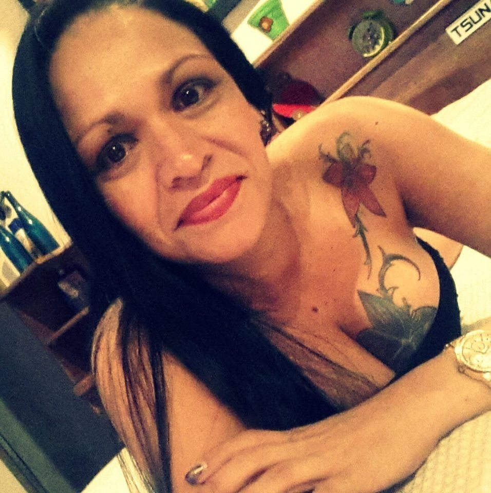Madura fotos tetonas tatuadas
