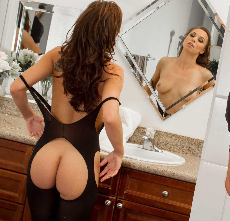 Las Fotos Sexy de Aidra Fox en un película Porno